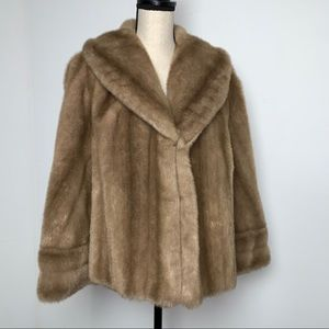 Vintage Country Pacer French Faux Fur Caplet (M)